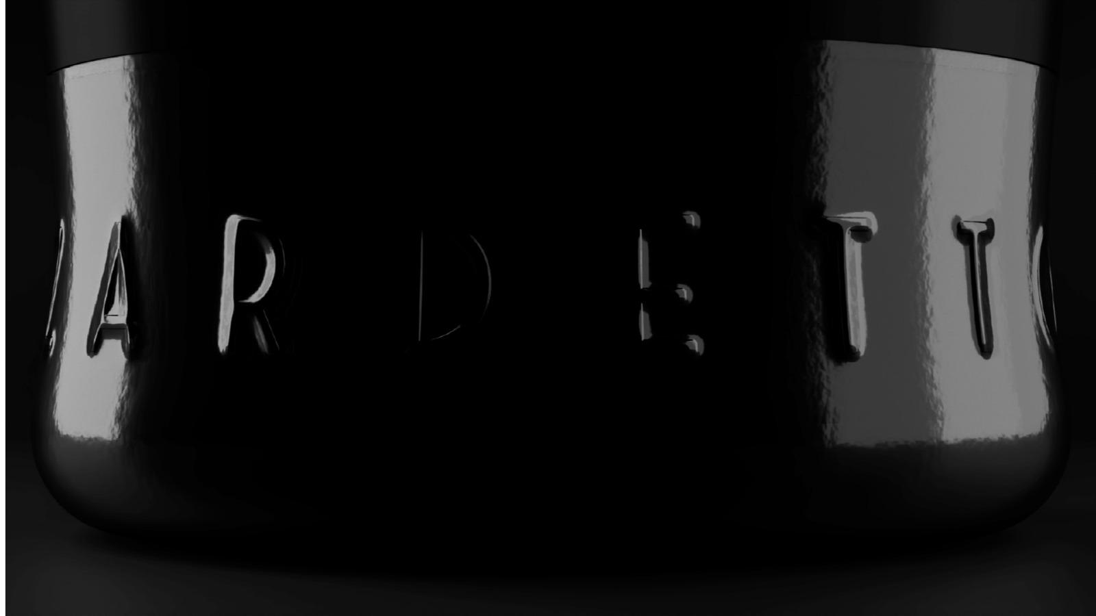 reflection of light on a Zardetto's bottle
